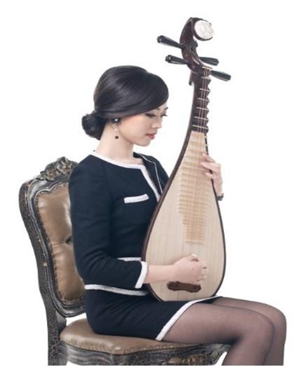 抱着琵琶进课堂,中国首位带着乐器授课的讲师