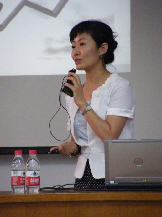 高子馨老师演讲瞬间